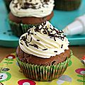 Cupcake chocolat et aux pépites de chocolat - topping crème de coco (sans œufs ni lait)