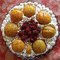 Gâteaux à la pêche et framboise ,chantilly