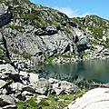 P1070207 Repas pris au pied du lac