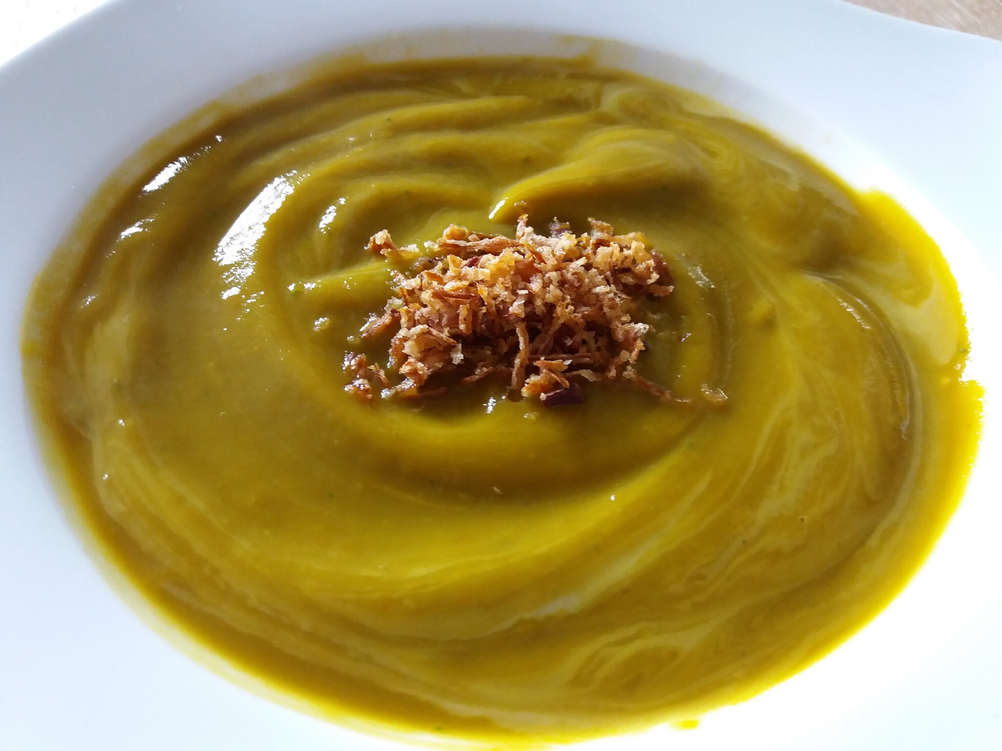 Une petite soupe 100% légumes et sa petite touche de cancoillotte