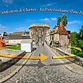 Les Fortifications de <b>Chartres</b> – La Porte Guillaume détruite en 1944 (Time Travel)