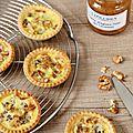 Mini-tartelettes au confit d'oignons doux des cévennes & au roquefort