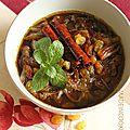 Tfaya (oignons caramélisés, raisins secs et cannelle)