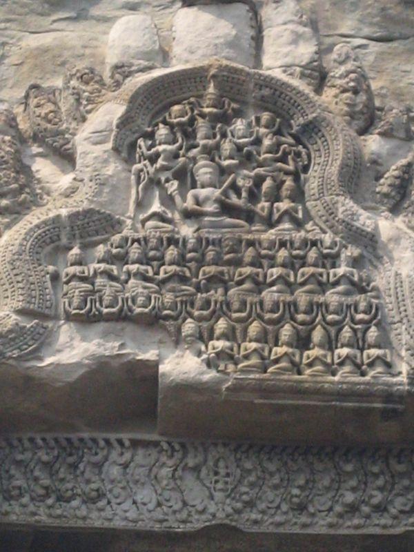 Angkor Wat (ascètes, saints et apsaras)