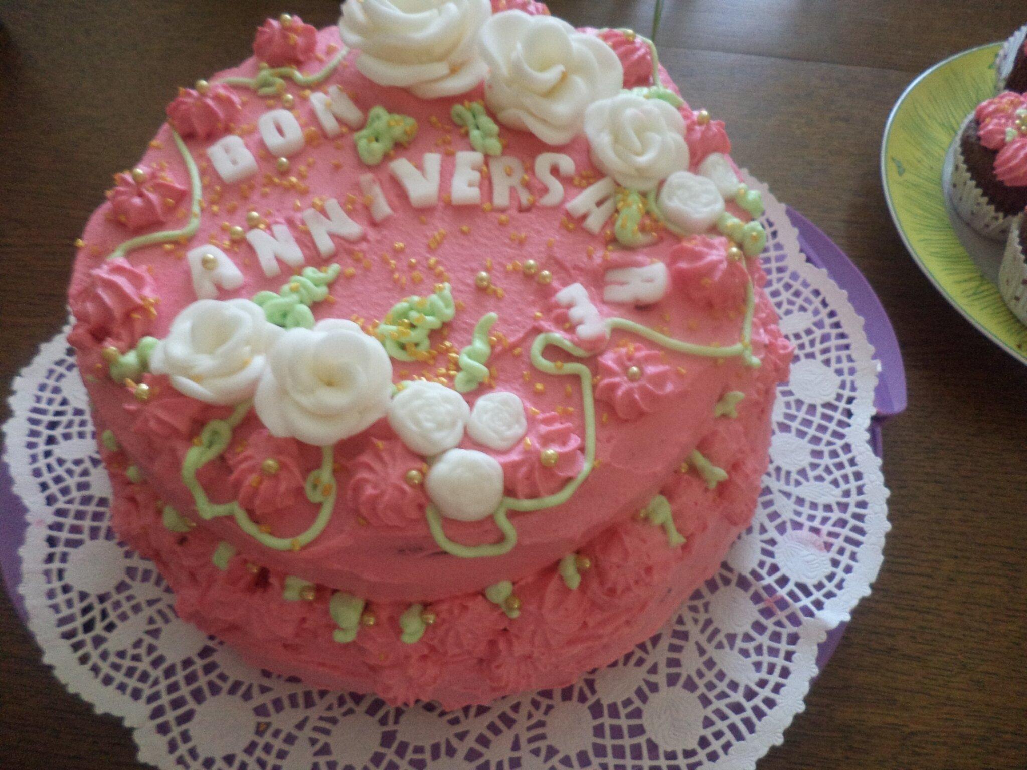 Gateau d'anniversaire rose