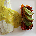 Filets de turbot sauce mousseline au kiwi, compotée d'aubergines et poivrons
