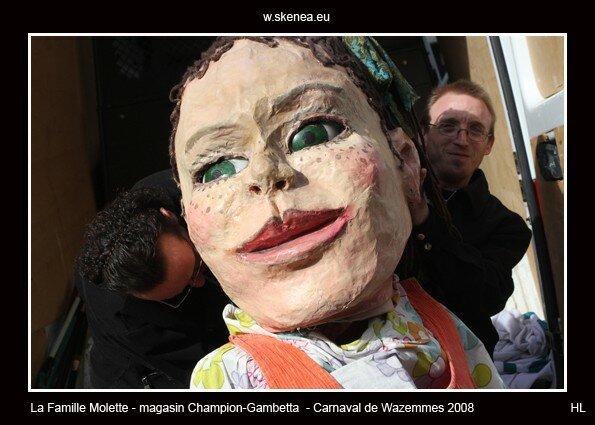 FamilleMolette-magasinChampion-Carnaval2008-059