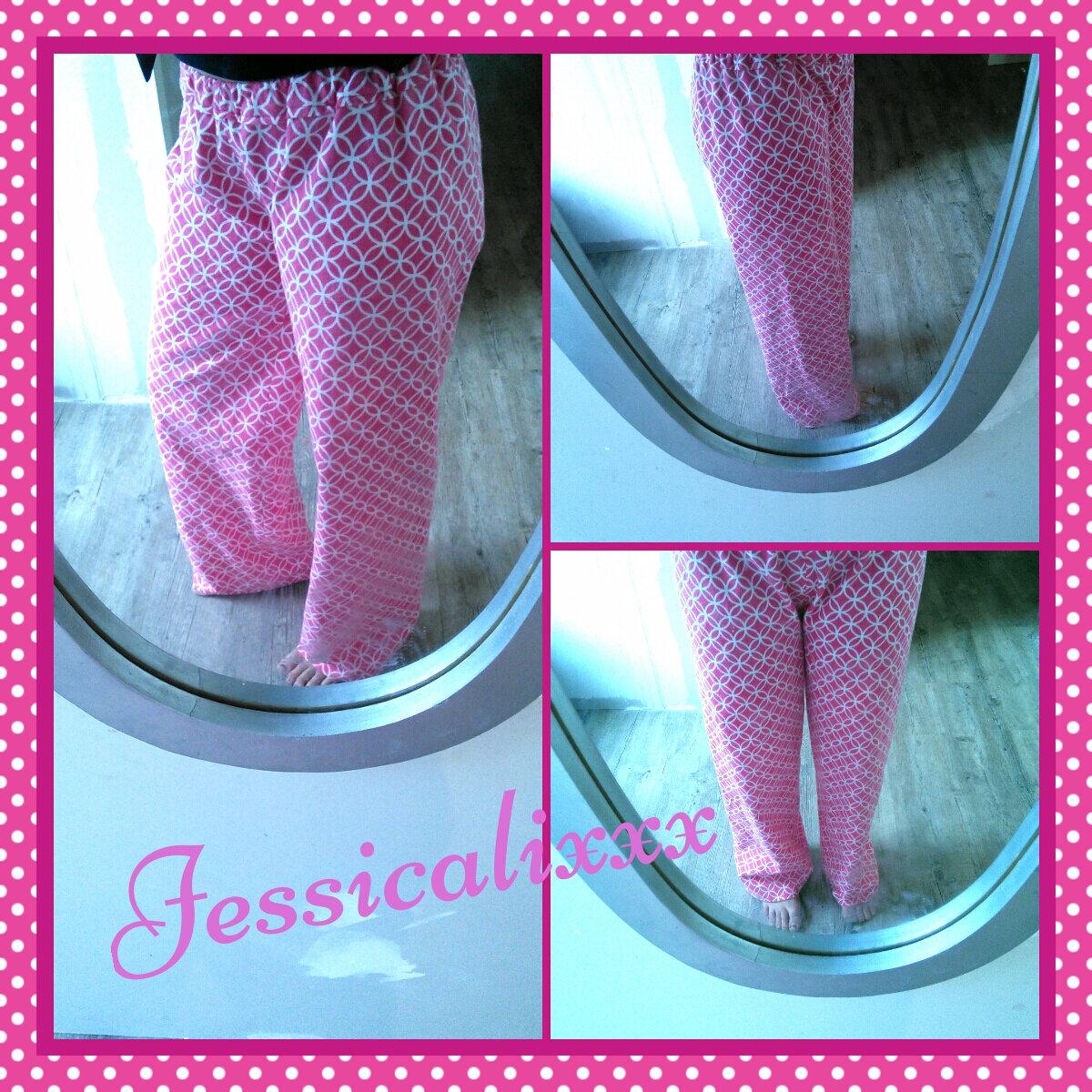 Mon pantalon Douillet en flanelle (aussi appelé pantalon de clown par mon mari)