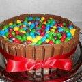 Gâteau kit kat et m&m's