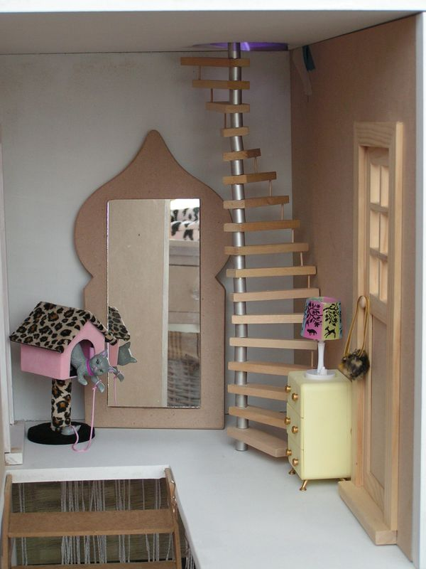 premiers d fis les escaliers barbie histoire d. Black Bedroom Furniture Sets. Home Design Ideas
