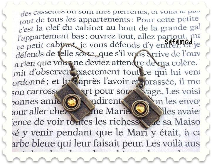 Boucles d´oreilles camera appareil photo strass jaunes