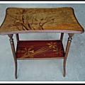 Table à thé en marqueterie Art Nouveau Gallé