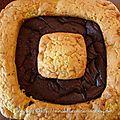 Fondant au chocolat pris au piège dans un gâteau aux pommes