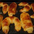 Croissants et pains au chocolat avec une pâte feuilleté trop facile à faire
