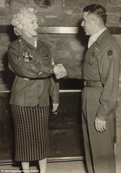 1954-02-16-5_after_perform_7th_infantery_division-5-2