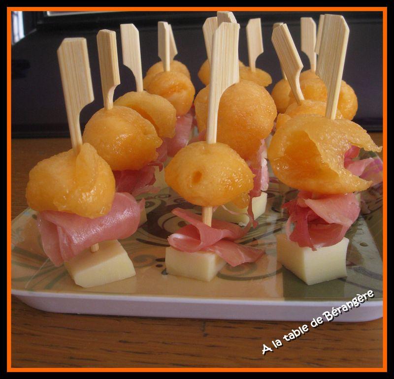 brochette comt jambon cru melon et vive les vacances a la table de b rang re. Black Bedroom Furniture Sets. Home Design Ideas