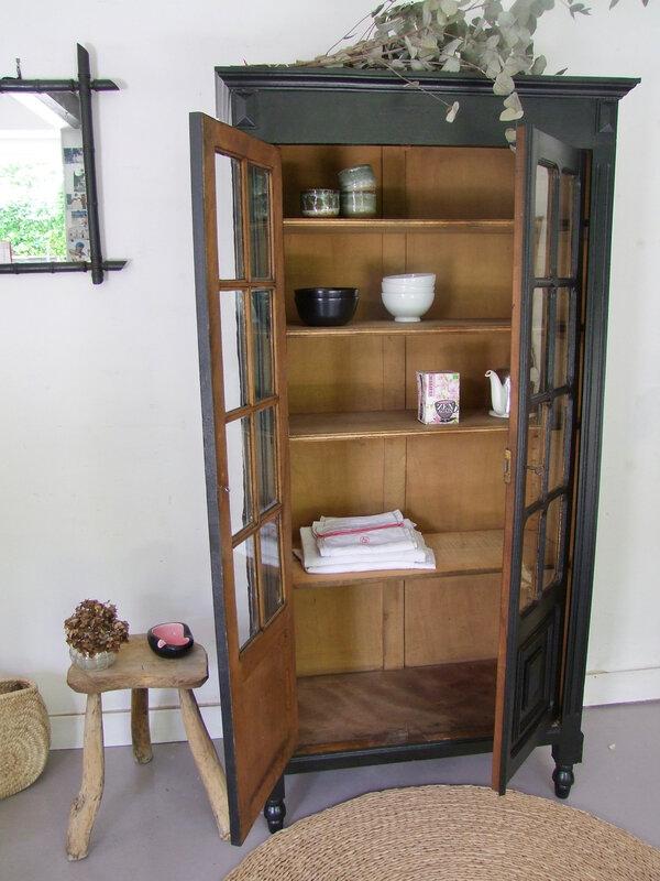 Armoire vaisselier vintage
