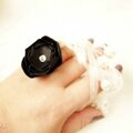 bijou femme mariage cérémonie bague fleur noire strass cereza deco 1