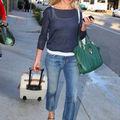 <b>Cameron</b> <b>Diaz</b> en jeans à l'aéroport de Los Angeles
