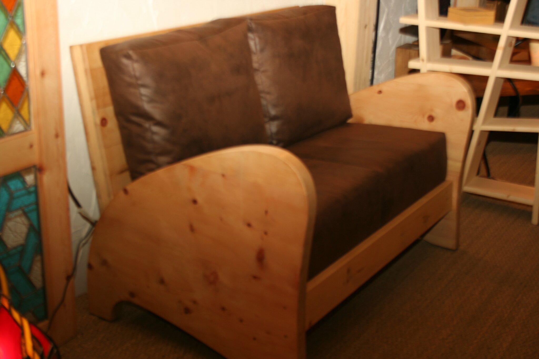 habillage d'un canapé en bois