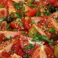 Salade de tomates aux olives piquantes