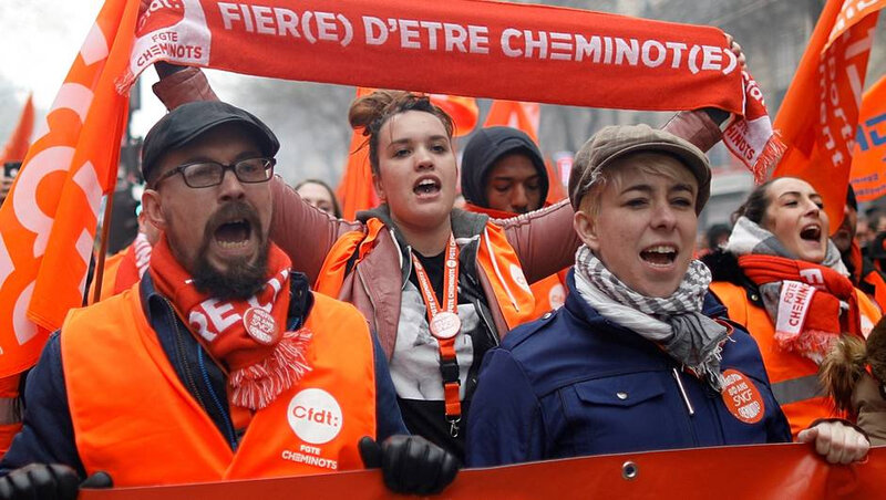 17e54179a32cbccba2967ef9aeebca28-greve-des-cheminots-macron-pret-aller-la-bagarre