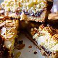 Tarte aux amandes et à la confiture de framboises ou bakewell tart
