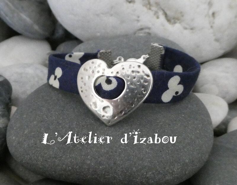 P1030202 Bracelet Fête des mères liberty et passant coeur martelé
