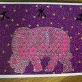 Carte n°35 éléphant rose (carte ouverte)