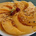 Carpaccio de melon vinaigrette aux agrumes, estragon et pralin
