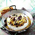 Brie au four, au miel et aux noix de pécan