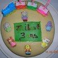 Gâteau d'anniversaire aux framboises et à la pâte d'amande (biscuit de savoie)