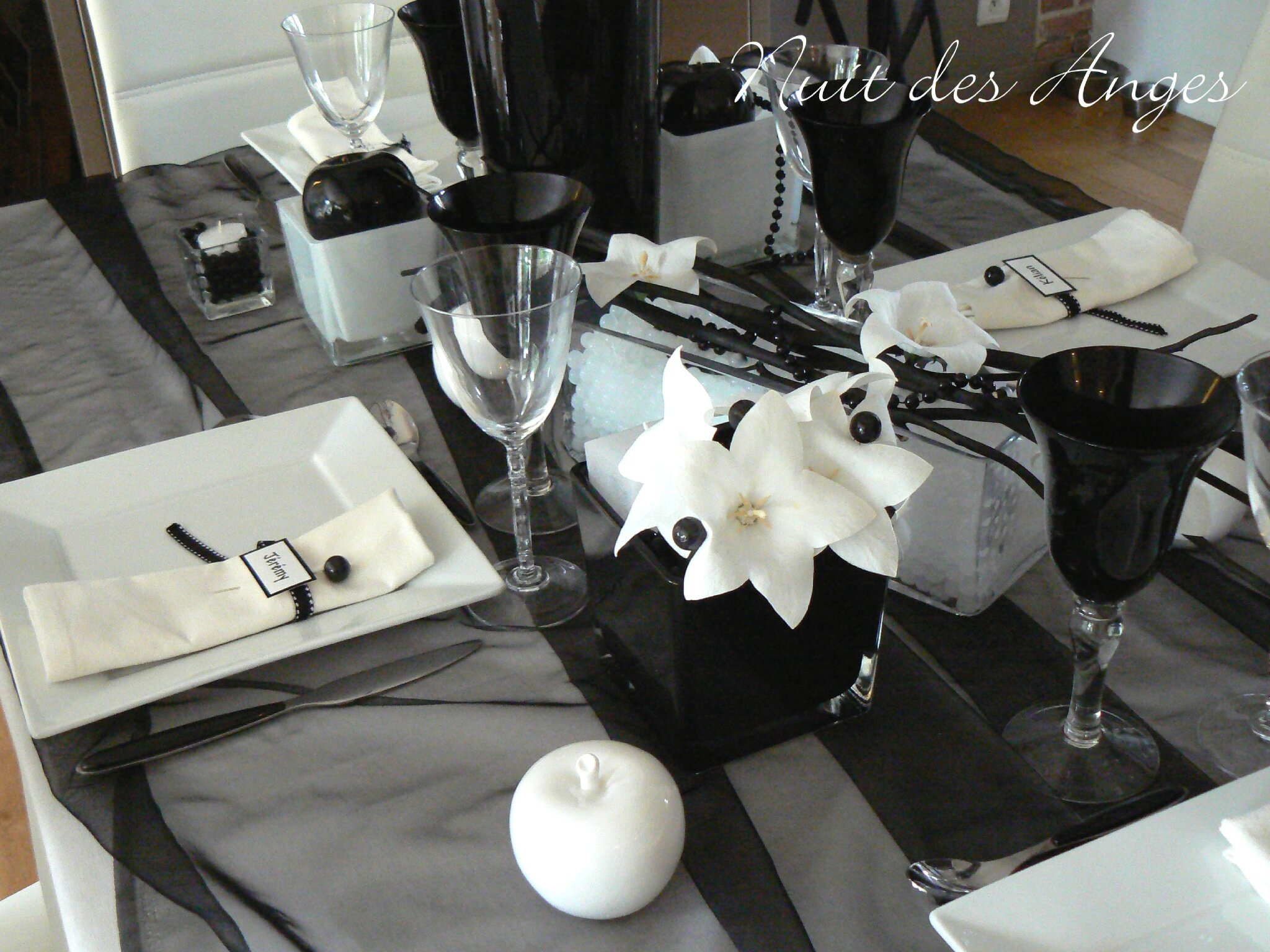 nuit des anges d coratrice de mariage d coration de table noir et blanc 003 photo de. Black Bedroom Furniture Sets. Home Design Ideas