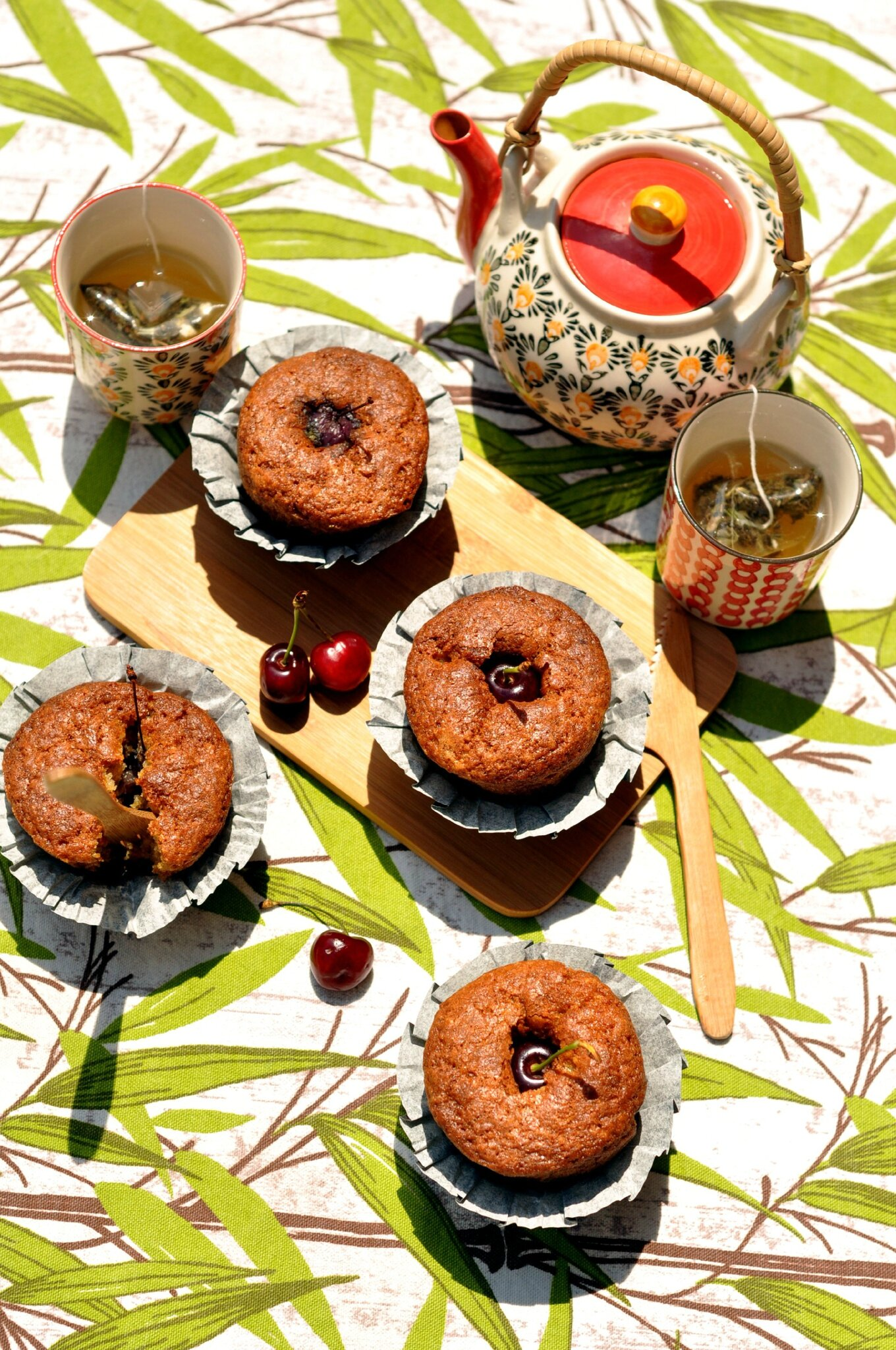 Muffins amandes-cerises au carré frais {robot pâtissier Moulinex à gagner}