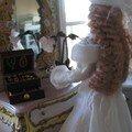 Natasha devant son miroir