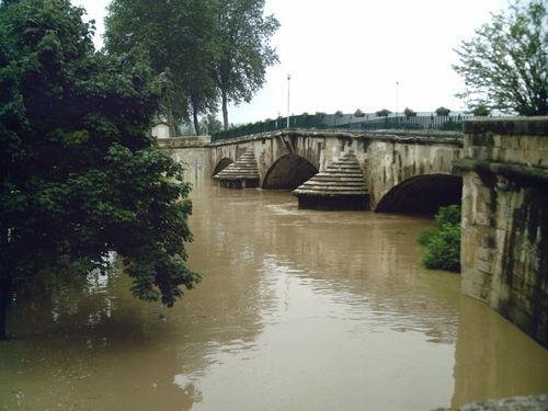 Autour du pont de Villecomtal