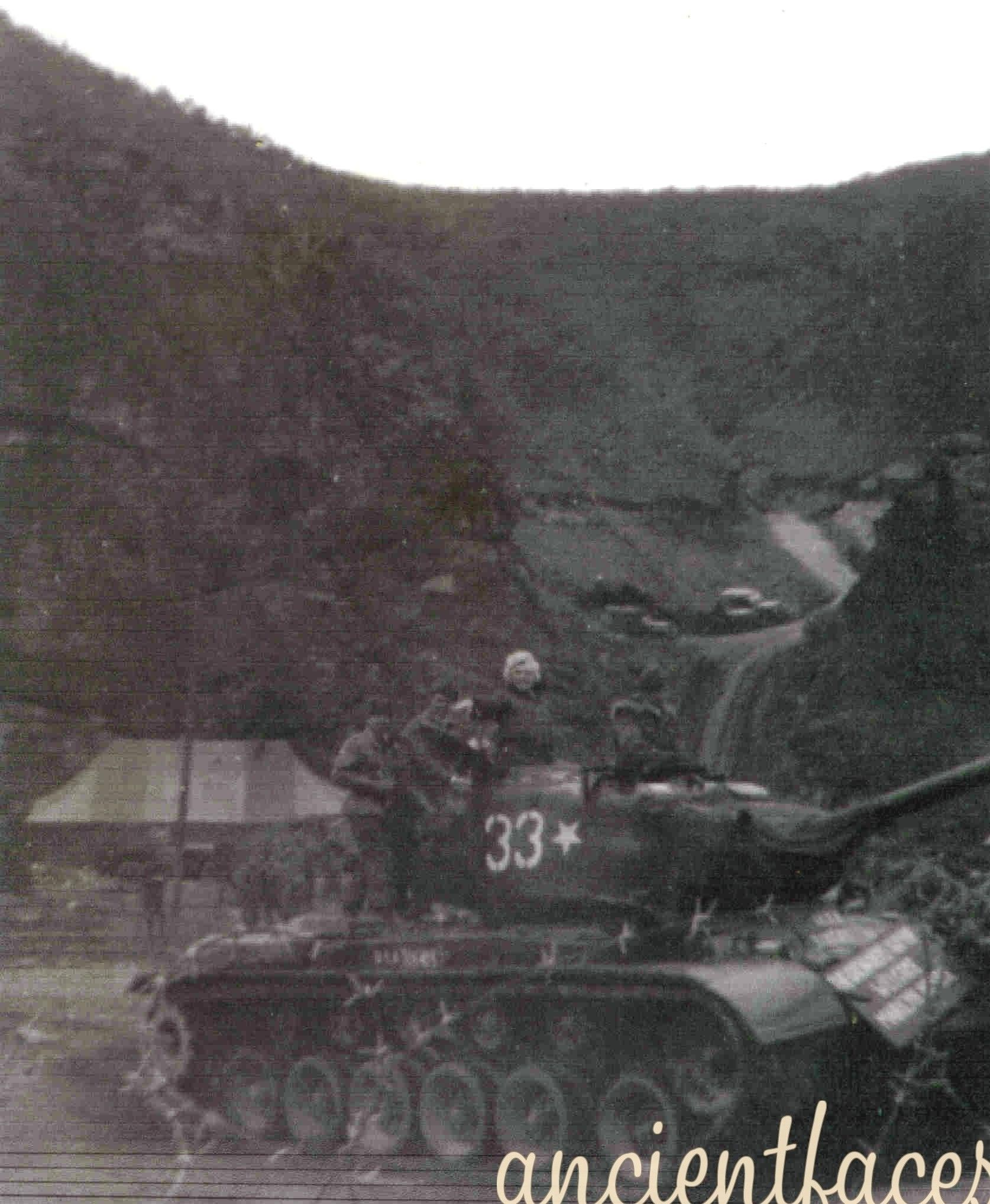 1954-02-17-korea-grenadier_palace-tank-023-1