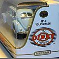 DY-06-A VW Cox 1951 Bleu ciel B