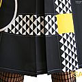MOD 392D Robe Trapèze créateur originale bicolore noir Blanc jaune made in France Graphique motif imprimé Triangle Printemps 2016