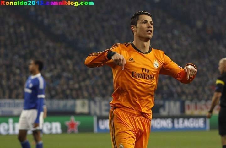 Cristiano Ronaldo Schalke 04 Real Madrid 1 - 6 (24)