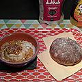 Crottin de chèvre rôti miel-citron et dukkah spéculoos (battle food 24), petit pain à la châtaigne