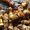 Petites <b>brochettes</b> de poulet caramélisé au sésame