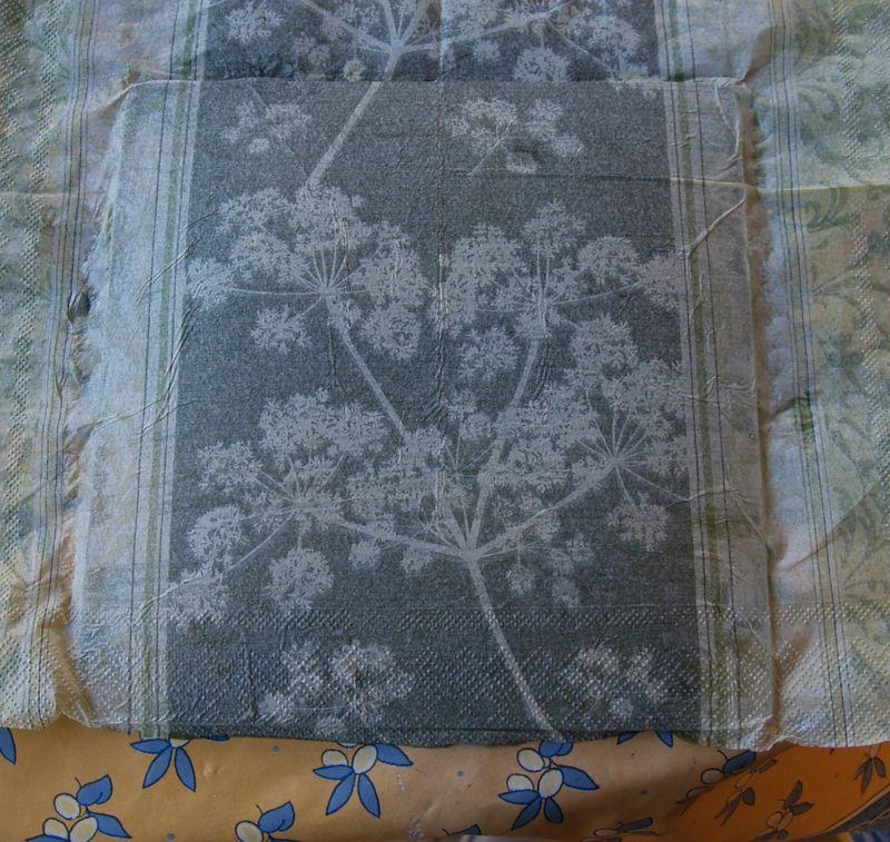 tuto assiettes ou collage de serviette sur le verre s v cr ations. Black Bedroom Furniture Sets. Home Design Ideas