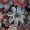Fleurs en papier: le printemps s'invite dans le scrap!