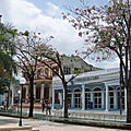 Cuba, <b>oriente</b> (8/34). Une petite ville tranquille, Guantanamo.