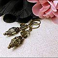 Boucles d'oreilles, <b>bijoux</b> rétro <b>vintage</b>, perles cubes de verre fumé montées sur dormeuses