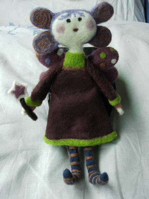 Fairy swap - fée en laine feutrée sans chapeau