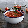 Rougail de tomates au piment et gingembre