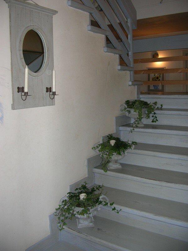 Escalier patin en gris roses et pivoines - Photo escalier repeint ...