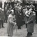 Le Président Goivannoli remises de <b>drapeaux</b> à Marchais le 11 mai 1953 (mois à confirmer)